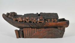 Antik kínai bambuszból faragott hajó a 18.századból