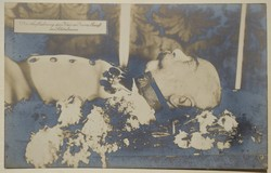 Régi képeslap I. Ferenc József a ravatalon
