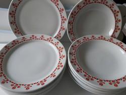Alföldi szivecskés tányérok