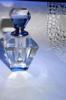 Illatszeres csiszolt  üveg