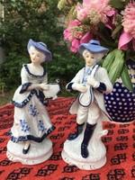 Barokk porcelán zenélő díszes pár