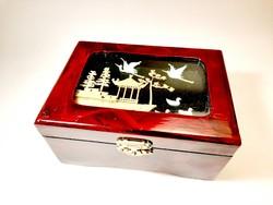 Kínai zenélő lakk doboz, ékszertartó