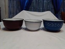Három darab retro zománcos tálka együtt - gömbölyű forma