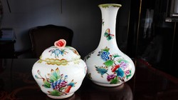 A 2. V.H.-ban készült Ó Herendi QueenVictoria kecses váza és bonbonier