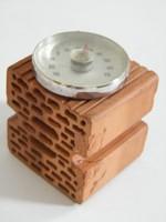 Asztali hőmérő mini tégla alapon