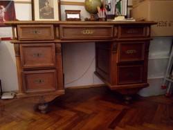 Ó-német íróasztal családi használatú kb. 150 éves állapota korának megfelelő