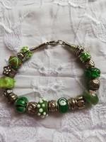 Eladó régi kézműves Pandora jellegű karkötő üveg és fém charmokkal!
