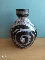 Dekoratív kerámia váza Farkas jelzéssel