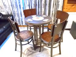 Intarziás thonet székek asztallal