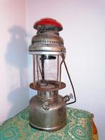 Antik kézi lámpás