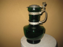Zöld üveg karaffa  , díszes ón szerelékkel  29 cm