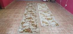 Eladó a képen látható szőnyeg mérete: 130X95CM.  Ingyenes házhoz szállítással! Ami azt jelenti, hogy