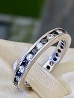 Különleges ezüst gyűrű, fekete és fehér cirkónia kövekkel ékesítve