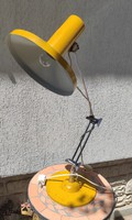 Retro,Loft, Bauhaus stílusú asztali lámpa,Mint egy markoló,az ihlette szerintem!MID Centuri Space A,
