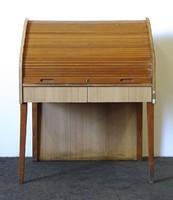 1F247 Redőnyös irattartó szekrény íróasztal 119 x 94 x 76 cm
