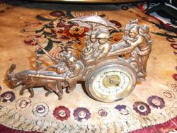 Réz jelenetes asztali óra