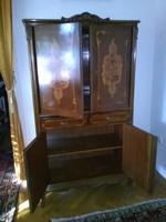 Intarziás neobarokk  komód,kisszekrény magasság 156 cm,szélesség 89 cm,mélység 42 cm