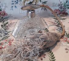 Parfümös üveg 2