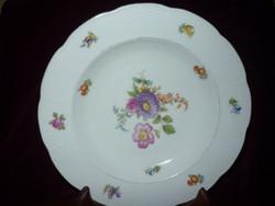 Régi Meisseni porcelán lapos és mély tányérok pótlásra 24 cm.