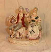 Régi Foreign porcelán figura