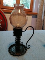Gyertyatartó/mécsestartó repesztett üveg búrával. Nagyon hangulatos, szép kézműves darab.