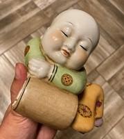 KÍNAI FAMILLE ROSE PORCELÁN SZOBOR FIGURA BUDDHA VAGY SZERZETES KÍNA JAPÁN ÁZSIA