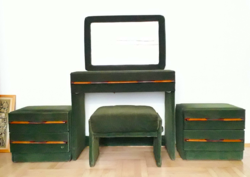 Retro rita set on dressing table with puff bedside mirror
