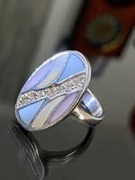 Különleges ezüst gyűrű, gyöngyház és cirkónia díszítéssel