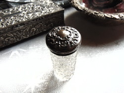 Antik ezüst kupakos csiszolt üvegcse