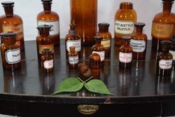 RITKA Antik patikai üvegek gyűjtemény gyógyszertár készlet