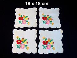 4 db Kalocsai virág mintával kézzel hímzett terítő
