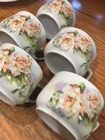 Rózsás teáscsészék