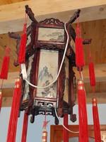 Nagyméretű kínai lámpa, lámpás