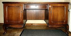 Chippendél iróasztal 160x79x79cm