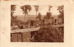 Katona csoportkép, magyar, vonat, ellátmány szállítás, szekér, ágyú