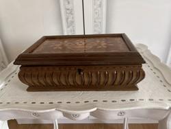 Antik intarziás fa doboz bársony béléssel nagyon szép