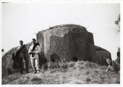 Katona csoportkép, magyar, bunker, 1941,9x6 cm