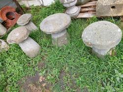 4 db faragott kő gomba