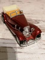 Régi autó modell
