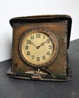 1930-as évekbeli Swiss made utazó óra