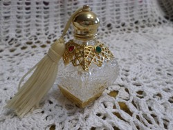 Csiszolt vastag üveg csipkézett parfümös.