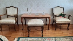 Baroque upholstered set + gift mirror!