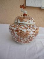 Egy gyönyörű Herendi óriás bobbonier ,narancs szinű Zova mintás,21x16 cm, 1 forinról.