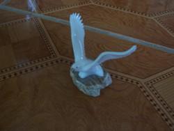 RITKA!Tejüveg madár széttárt szárnyakkal márványon