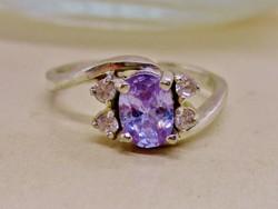 Egyedi szép ezüst gyűrű lilés színű és fehér kövekkel