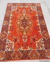 134*200 cm-es nagyméretű narancssárga mintás  szőnyeg   nosztalgia darab .