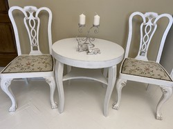 Hárfaszerű háttámlás, oroszlánlábas, vintage stílusban felújított 2 db szék