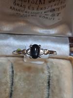 Ezüst foglalatban valódi zafír köves gyűrű