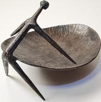 Modernista - iparművészeti / retró fém kisplasztika / kínáló