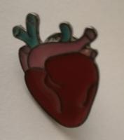 Szív kitűző